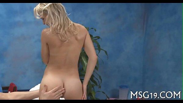 Active masseuse gives a head job