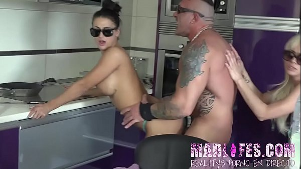 After the jacuzzi, THEY ARE HORNY AGAIN!