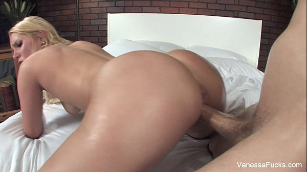 Vanessa Cage gets ass worshipped