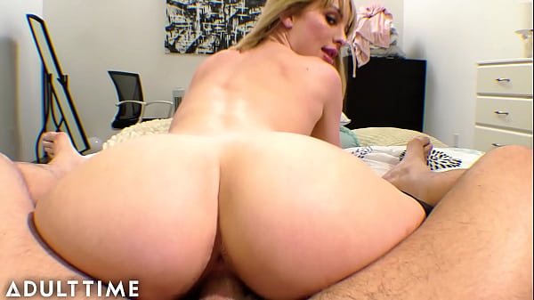 Daisy Stone Takes her Hung Date Home to Ride Hi...