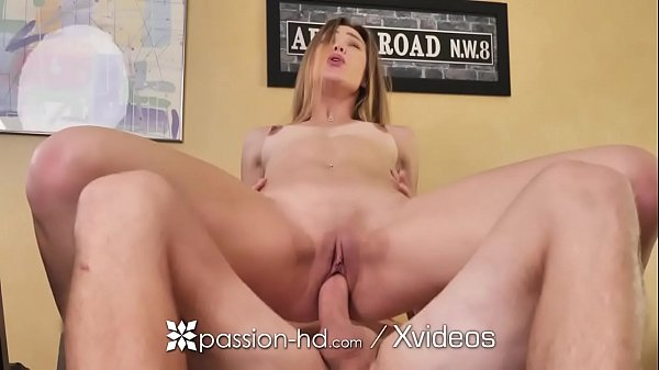 PASSION-HD Office Fling Fuck Before Business Hours Thumb