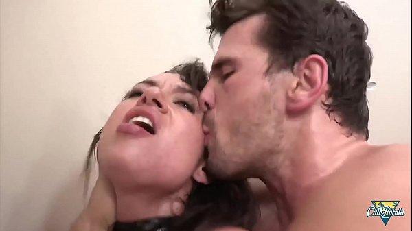 Pretty fetishist Franceska Jaimes stretches her ass for deep anal