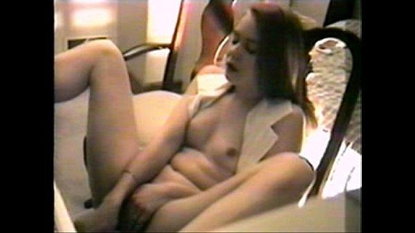 Gwen masturbates on webcam