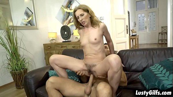 Porno marito lecca figa pelosa donna