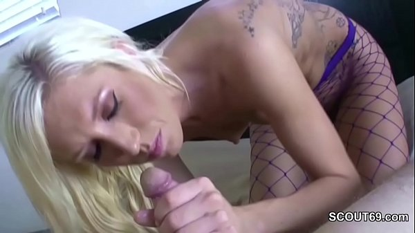 Mom Help Him With the best Blowjob in Homemade ...