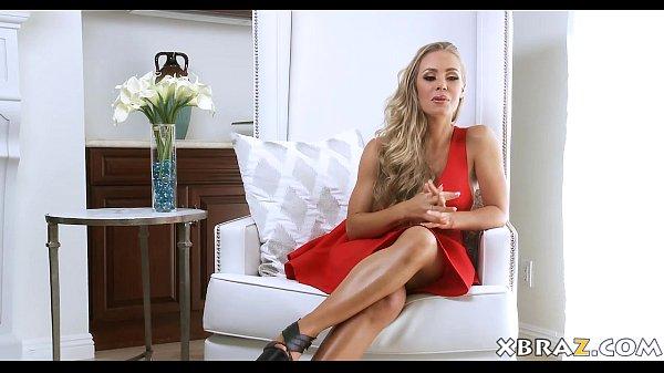 MILF pornstar Nicole Aniston fucked with a crea...