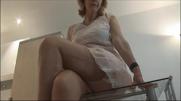 Mature Crissy On Glass Table Xvideos Com