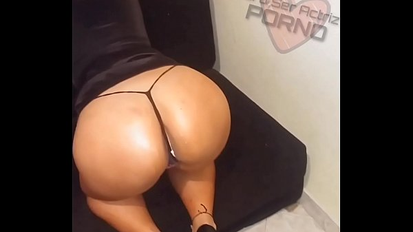 It gets horny with my big ass, it's ready to make a professional blowjob