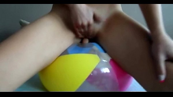 Sophie cute blondie on a baloon dildoing her pussy