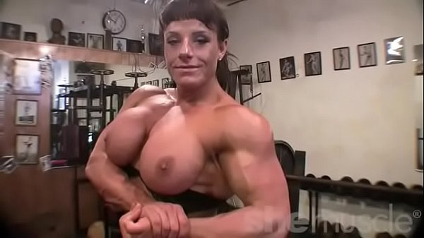 Muscle girl big tits gets cream pie Female Bodybuilder Big Tits In The Gym Xvideos Com