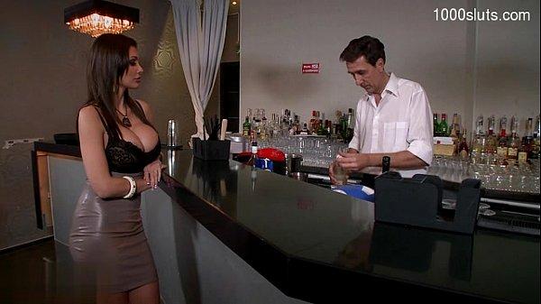 Glamour pussy awesome handjob