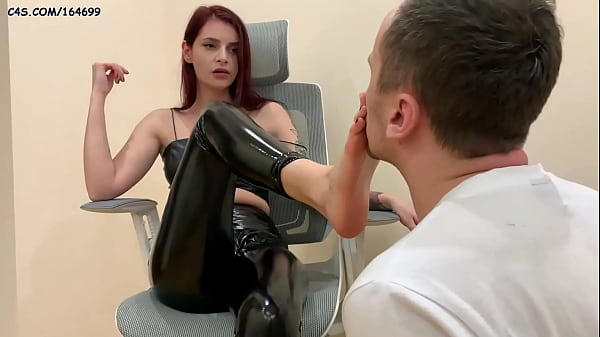 Devilish Mistress Sofi In Leather Boots and Lat...