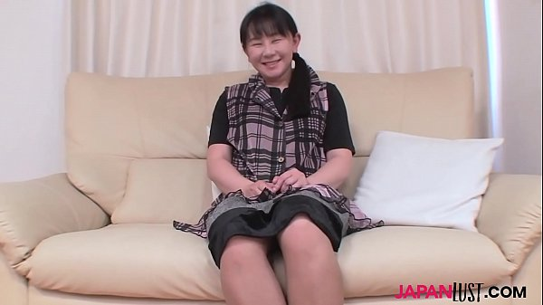 Mature Chigusa Fujioka toying pussy and sex