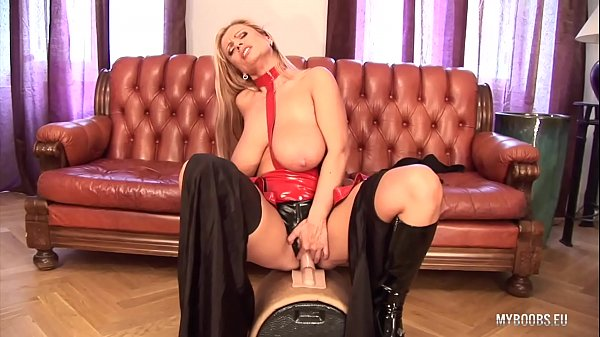 Huge tits MILF Veronica Gold in latex lingerie ride on electric big Sybian Thumb