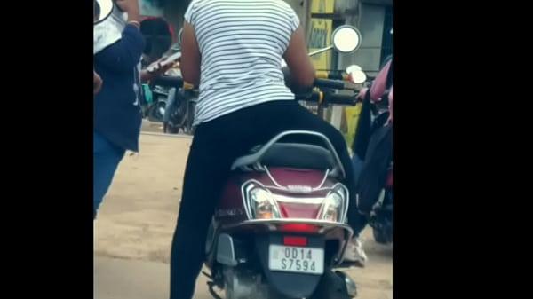 Dasi girl ass show in public Thumb