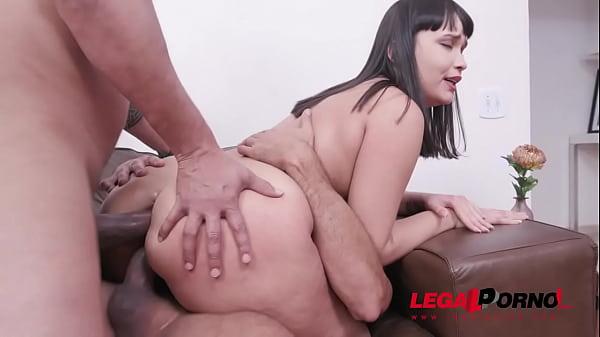 Lina Nakamura double penetration with 2 huge co...