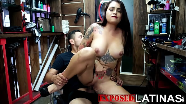 The sexy milf with big tits who attends the barber shop turned out to be a whore who fucks her clients porn in spanish