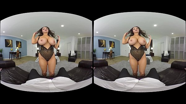 NAUGHTY AMERICA VR experience Ava like never be...
