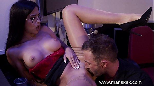 MARISKAX Big tit babe Julia De Lucia has her as...