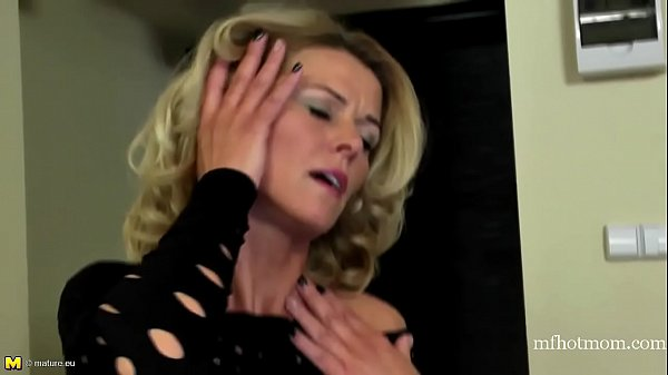 Real mature mothers MILFs and GILFs hungry for a good fuck | mfhotmom.com
