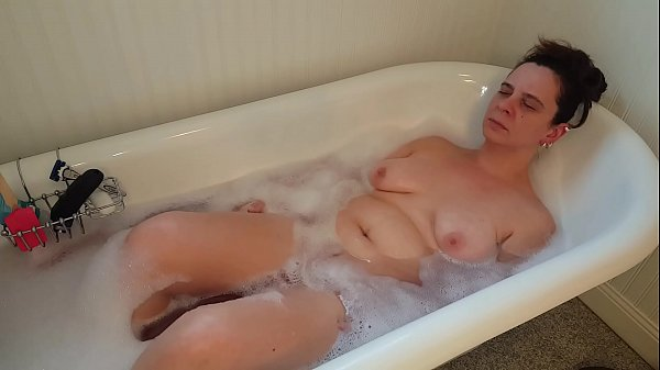 Sexy mature pawg bath fun with a happy ending  thumbnail