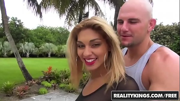 RealityKings - 8th Street Latinas - Delicious Mesh