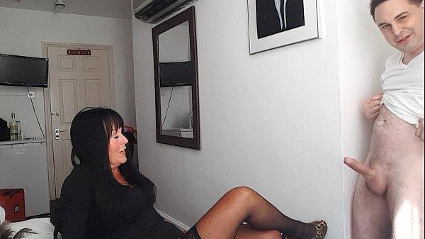 Ballbusting: Donna Africa kicks Andrea Diprè in the balls till cum!