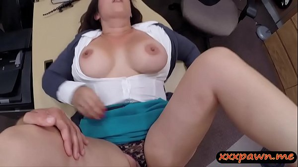 Huge tits woman screwed by pawn keeper