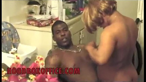29.Black Gangbanger Dloc trap stripper and fuck until police come - Pornhub.com.MP4