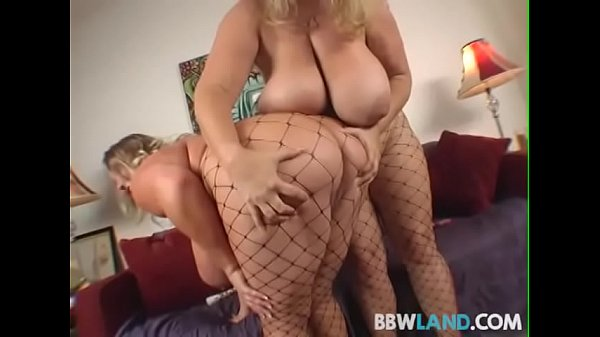 2 Busty Blonde BBWS Licks Tits and Pussy