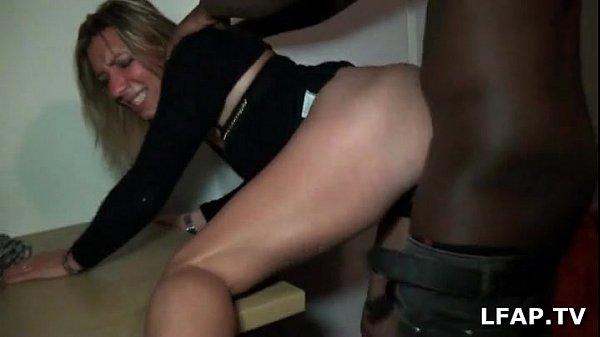 Sextape d'une blonde entrain de se faire defonc...