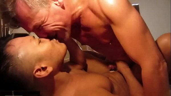 daddy love with his asian boy