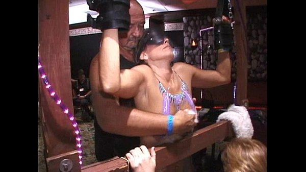 Bigbutt PAWG beat by bullwhip Blindfolded MILF ...