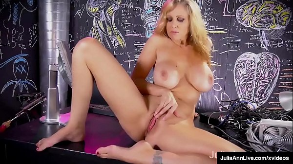 Busty Cougar Julia Ann Finger Bangs Her Wet Pussy & Orgasms In Her Bed