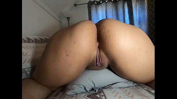 Hot latina showing ass an pussy