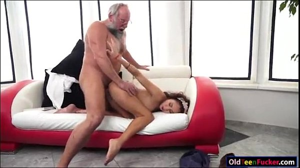 xvideos.com d02fe424e869a15e950b58fa06d283ac Thumb