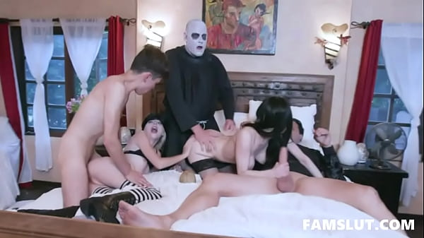 Halloween Family Orgy - Audrey Noir, Kate Bloom Thumb