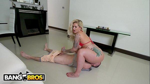 BANGBROS - Busty MILF Ryan Conner Gets Her Puss...
