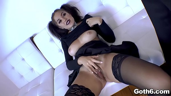 Kendra Spade gets a hot ANAL sex Thumb