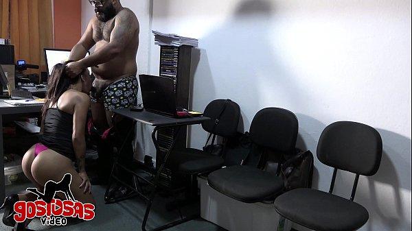 camera de segurança no escritorio de produtora ...