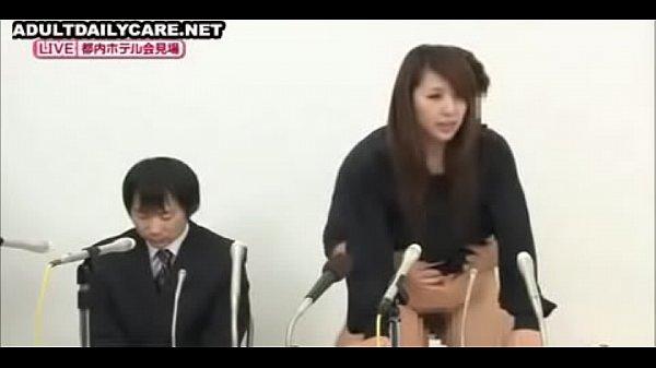 Moglie giapponese cazzo accanto al marito porno