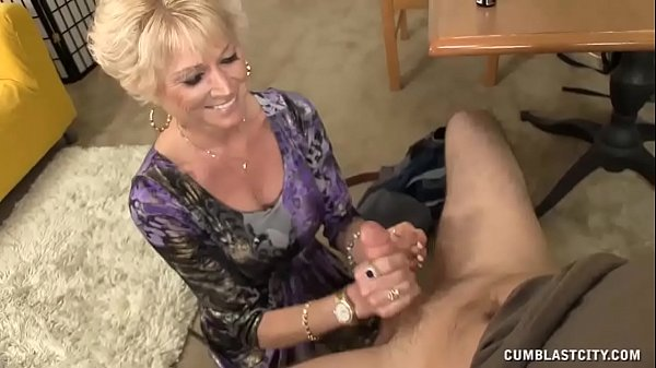 Step-mom Always Wanted To Offer Him A Handjob Thumb