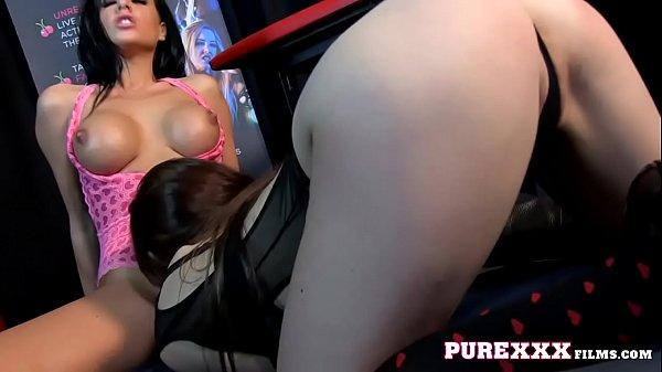 Busty Mom like eating pussy