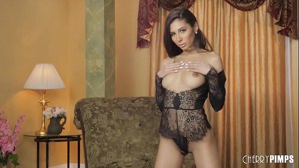 Gianna Dior Solo Masturbation
