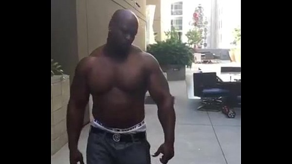 Man fears to Bodybuilder - Funny (Join Now! DateMe18.com)