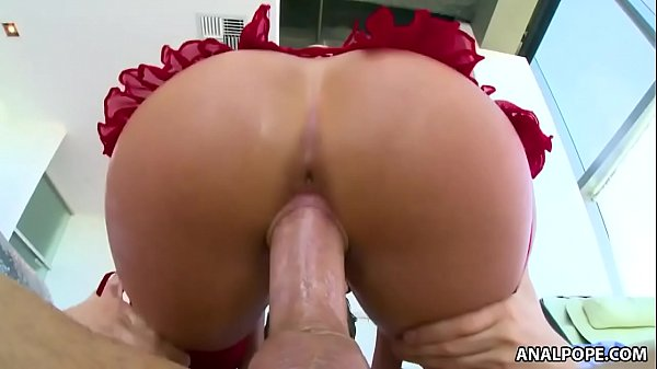 Oiled up bubble butt bouncing - Cali Carter