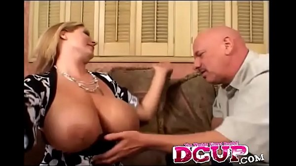 Fat Ass Mommy Gives Ride In Her Pussy