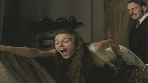 Keira Knightley au naturel: http://ow.ly/SqHxI
