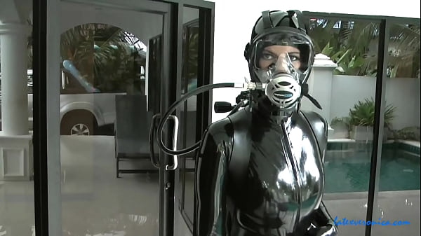Latex, scuba gear and high heels 2
