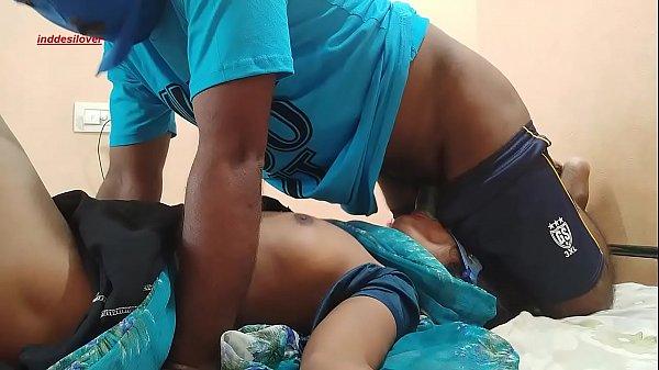 दिवाली की सफाई के वक्त स्टोर रूम में भाभी की चुदाई Thumb